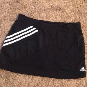Adidas skort // black